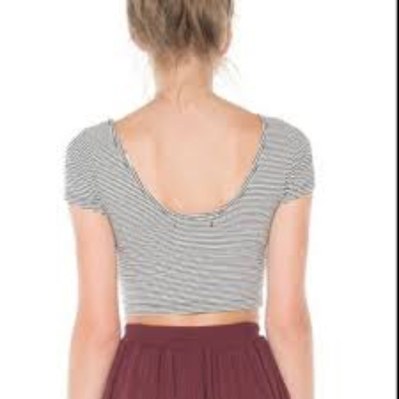Brandy Melville Tops - BRANDY MELVILLE CROPPED TEE